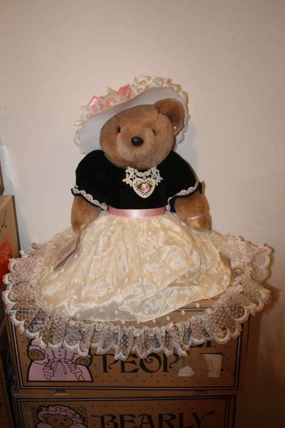 Bearly People VB 532 - Lovley Loralie 40 cm