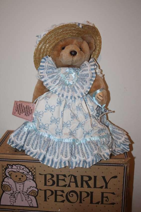 Bearly People VB 533 - Katie's Keepsake 40 cm