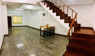 House for rent JedYod area, 1.5 km. from Nimman Heamin area.