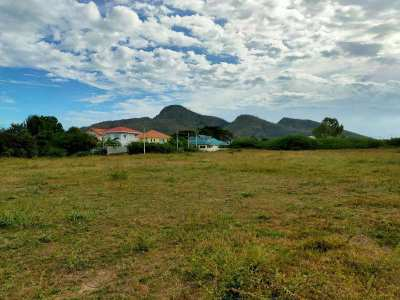 5 Rai - Prime Location - Just Minutes From Beaches and Shopping