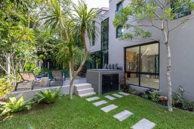 Modern 3 Bedrooms Pool Villa for sale prime location at Cherngtalay
