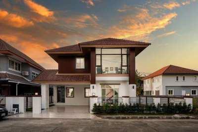 House for rent near Promenada mall on Sankamphaeng New Rd.,