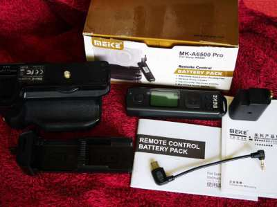 Meike MK-A6500 Pro Battery Grip Built-in 2.4GHZ Remote Controller