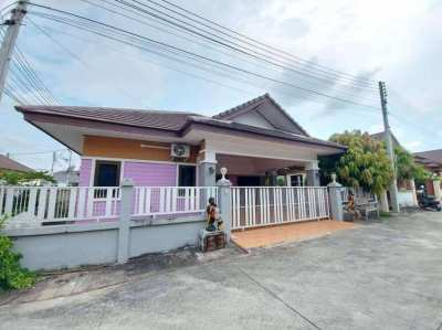 One story house for sale East Pattaya 3 bedrooms, close to Motorway 7.