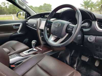 Toyota Fortuner 2.4G 2019, 7-Seat