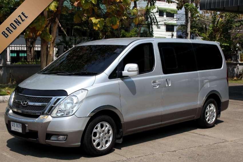 2010(mfd '09) Hyundai H1 2.5 Maesto Deluxe Van A/T