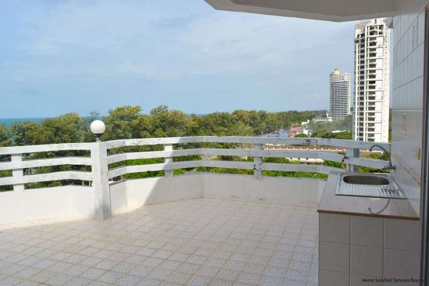 1 bedroom beach condo with a large terrace!