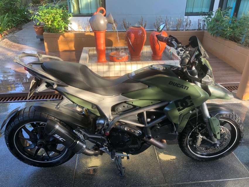 2014 Ducati Hyperstrada 821