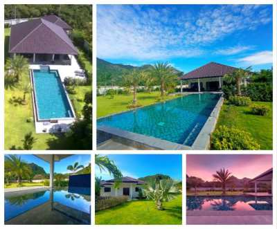 Dolphin Bay pool villa with stunning unique Sam Roi Yod mountains view