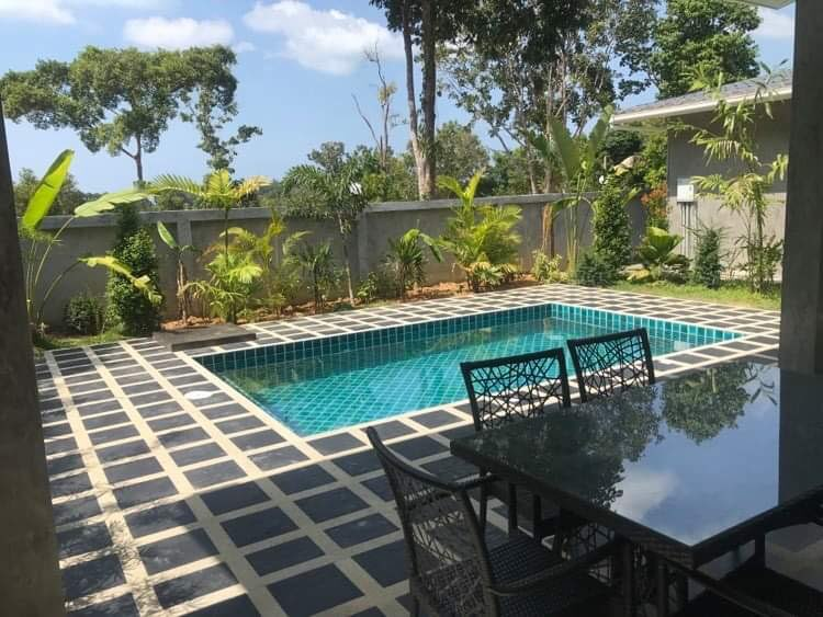 Private pools villas