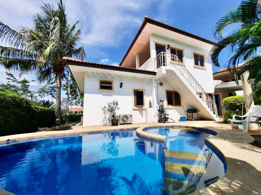 2 bedroom pool villa with mountain view roof terrace, lovely location