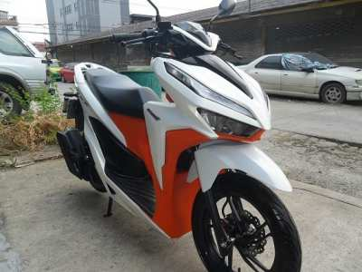 Honda Click150i TOP year 2020, running only 5352 km, impeccable condition.