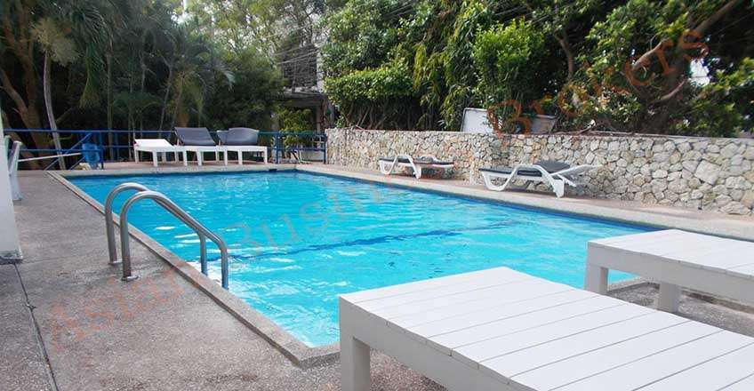 1205053 58-Room Hotel with Swimming Pool in Pra Tamnak Hill for Rent