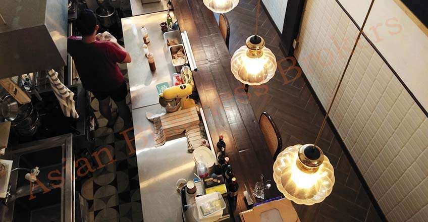0150004 Cafe/Restaurant in Busy Sathorn Location for Sale and Rent