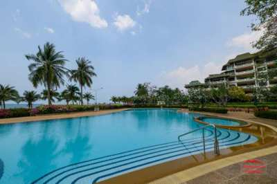 170 sqm Absolute Beachfront Condo in Foreign Quota