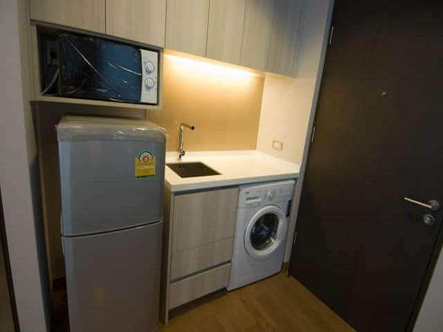 3213 Rent The Lumpini 24, 1BR Floor 11 29 Sqm. Condo near BTS Prompon