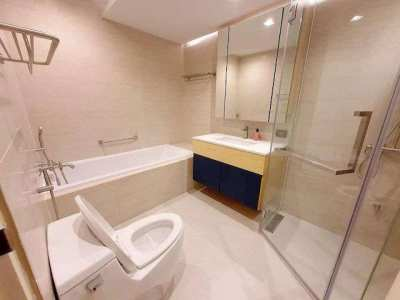 Rent State Tower, 2BR Floor 20 68 Sqm.,River View, Condo near BTS Tak