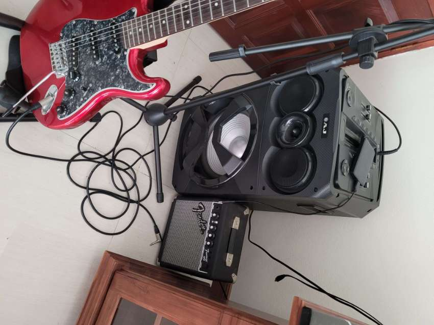 electric guitar and amplifier guitar stand,and belt