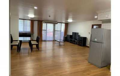 Renovated 2 Bedroom Corner Unit at Supalai Place Condo for Rent