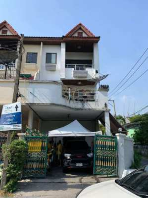 3 story Townhouse for Rent in Sukhumvit Soi 76 (Owners Post)