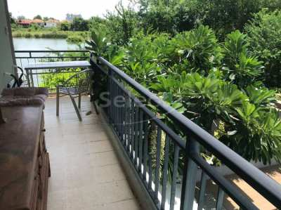 Porch Land II  | 1 Bedroom | Pool and Lake view