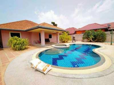 House for Sale East Pattaya, private swimming pool, soi.Nongketyai.
