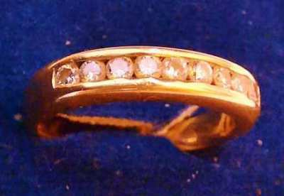 Beautiful Ring with 9 Diamonds for woman