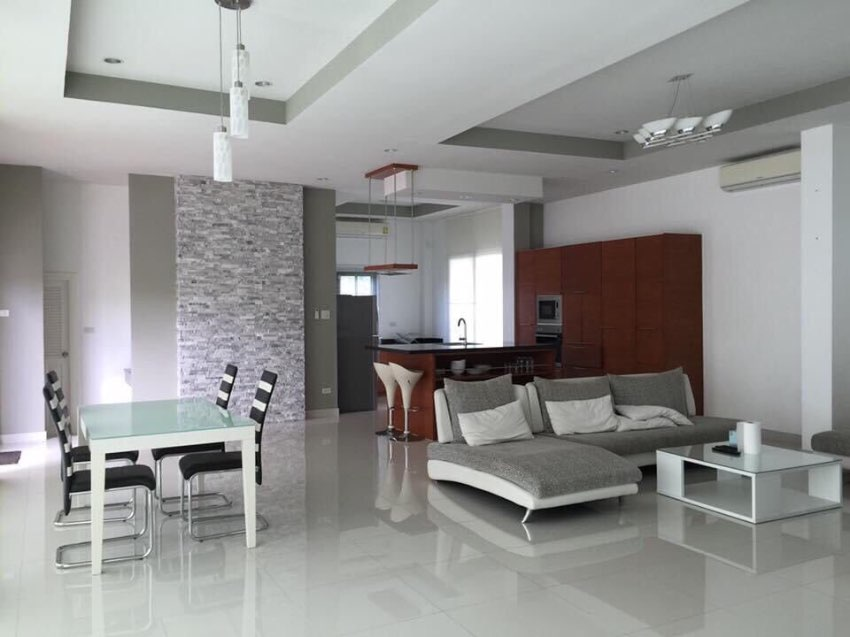 Office and ModernHouse with Tenants near Mabprachan lake