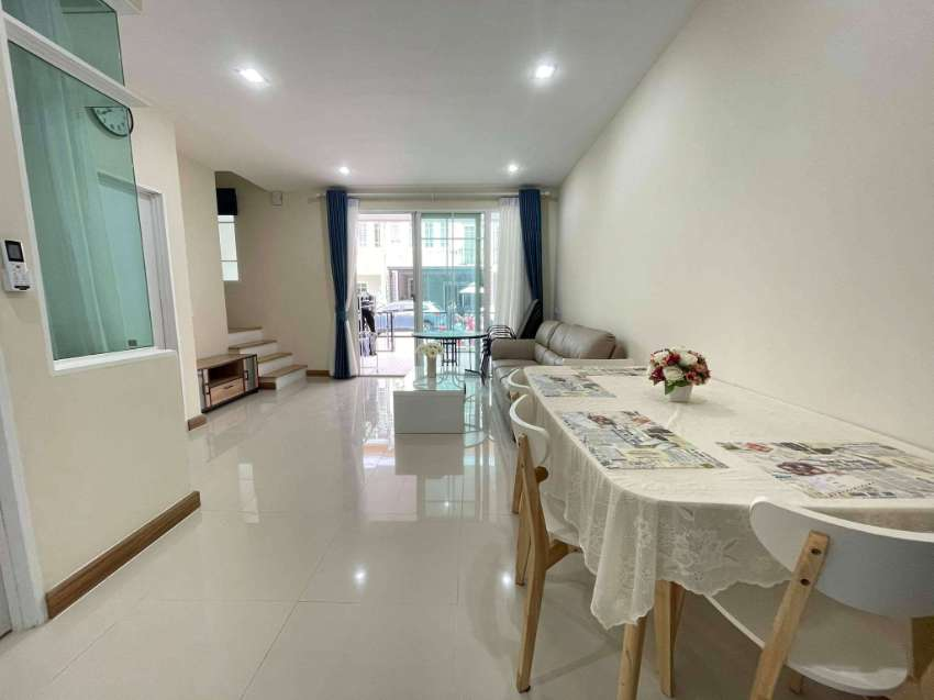 Golden Town House 4BR 140 sqm in South Pattaya Sukhumvit for Rent
