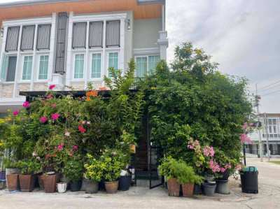 Golden Town House Corner 4BR 240 sqm  in South Pattaya for rent