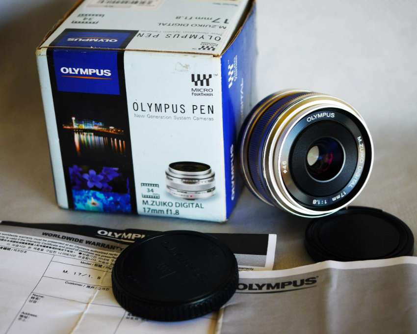 Olympus M.Zuiko Digital 17mm f/1.8 Lens in Box Silver, Micro M4/3