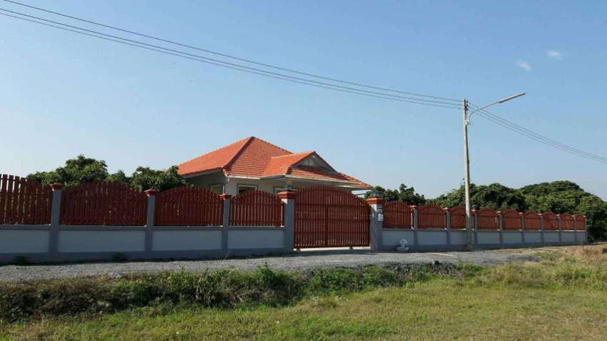 HOUSE ON 2 RAI OF LAND 4+ BEDROOMS