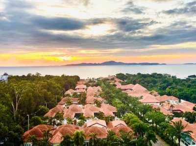 Rent in Pratumnak, 2 Beds, 2 Bahts, quiet area, excellent seaview