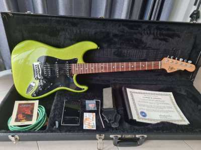 G&L Legacy USA as new in case with all accessories
