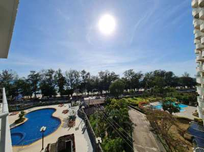 Nice Condo with Beach View of 5th floor in Mae Ramphueng Beach