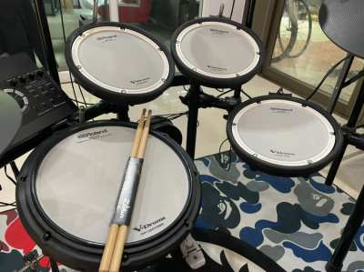 Roland electric drums, model TD-17KVX, in good condition.