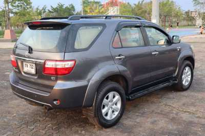 2008 Toyota Fortuner low mileage (reduced again!)