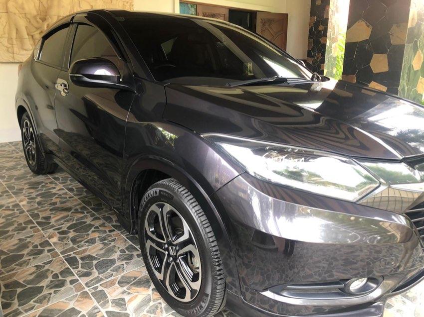 2015 Honda HRV EL For sale.