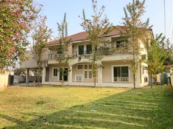 House for sale/rent 1 km. from Makro super store, Hang Dong Rd.