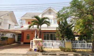 House for sale near Unity Concornd international school.