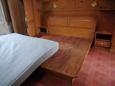 Qeensize Bed Teak wood