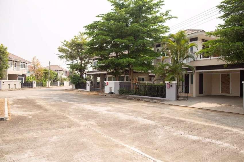 Selling ornsirin 6 house  3.2 Baht (cheaper then market almost 1 milli