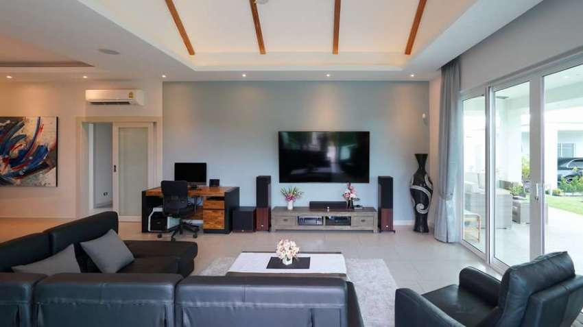 Luxury designer pool villa Hua hin for sale