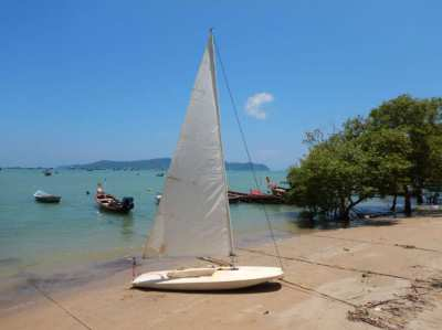 Sailing dinghy FOR SALE !