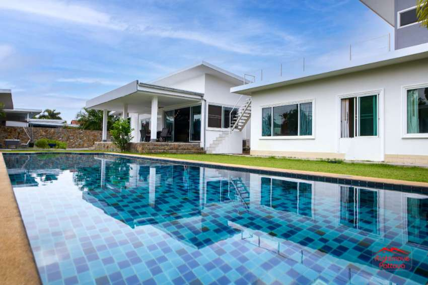 Modern 6 Bed Pool Villa with Guest House