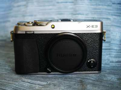 Fujifilm Fuji X-E3 24.3MP 4K, Wi-Fi Bluetooth Camera Black Silver