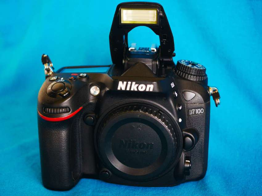 Nikon D7100 Digital SLR Camera - Black Body, Dual SD card slots, 24.1