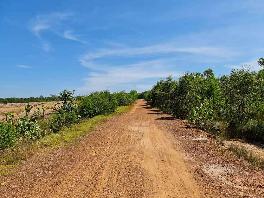 Land just 1 minute drive to Mae Phim Beach, Rayong