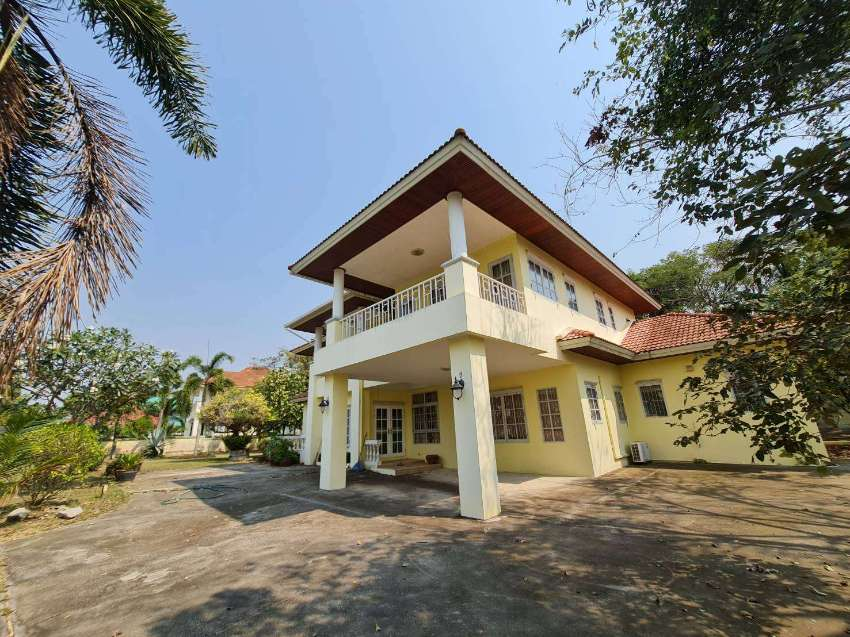Big House in Golf Course near Airport, Pattaya, International school