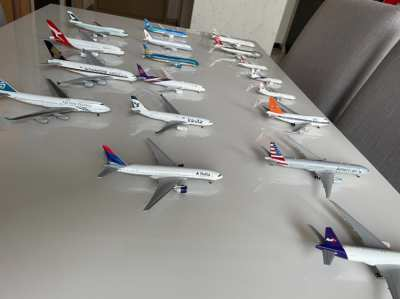 Model planes 400 scale